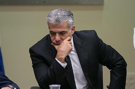 יאיר לפיד בישיבת סיעת יש עתיד 16.11.14, צילום: אוהד צויגנברג