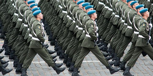 הרצינות מנצחת. חיילים רוסים, צילום: שאטרסטוק