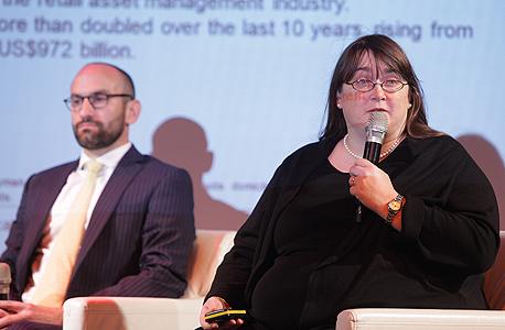 רייצ'ל לורד (מימין) ומייקל קרוק, בכנס