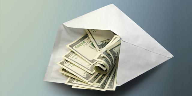 """אישום: מנהל ב""""עמיתים"""" הרוויח 7.7 מיליון שקל על חשבון החוסכים"""