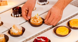 קונדיטוריה עסקים קטנים עסק קטן מאפים קינוחים, צילום: שאטרסטוק