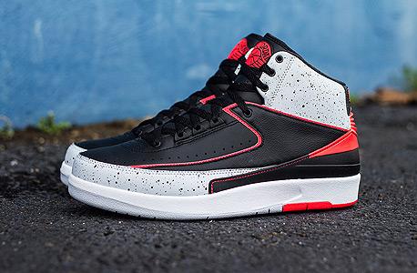 הנעליים הכי רווחיות, מקום 2 - (Jordan 2 Retro Eminem (The Way I Am הושקו בדצמבר 2008  ב־110 דולר, השנה נמכרו עשרה זוגות ב־1,958 דולר בממוצע לחדשות ו־1,250 דולר למשומשות
