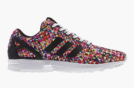 הנעליים הכי נמכרות שאינן נייקי Adidas ZX Flux Multi-Color Prism הושקו במרץ 2014 ב־90 דולר, מאז נמכרו 716 זוגות  ב־162 דולר בממוצע לחדשות ו־107 דולר למשומשות