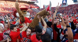 אוהדים קולג' פוטבול פוטבול מכללות , צילום: איי אף פי