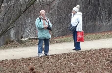 זקנים זיקנה פנסיה קשישים ורשה פולין, צילום: דוד הכהן
