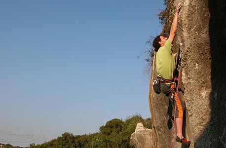 """ד""""ר אורי נילי. """"מטפס הרים שמטפס בלי חבל הוא הרבה פחות אמיץ ממישהו שמפחד לטוס ומוכן להתמודד עם הפחד"""""""