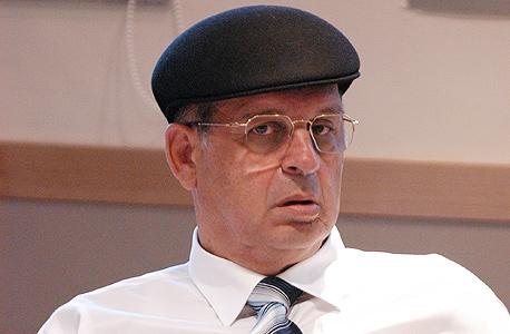 """בזק, מנרב ורוטשטיין ינפיקו אג""""ח בהיקף 900 מיליון שקל"""