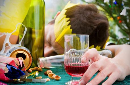 הנגאובר חמרמורת אלכוהול, צילום: שאטרסטוק