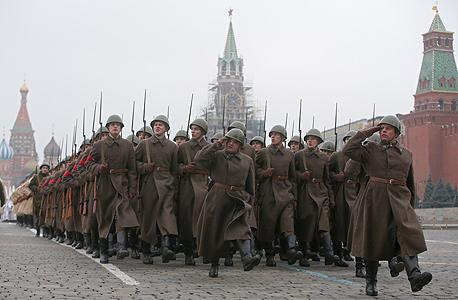 """חזרות במוסקבה למצעד צבאי לזכר מלחמת העולם השנייה. אברסטדט: """"מחזור הגיוס של 2017 יתכווץ ב־40%"""""""
