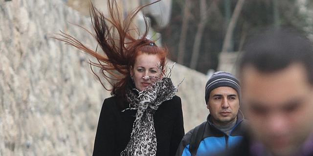 רוחות עזות בירושלים, צילום: אלכס קולומויסקי