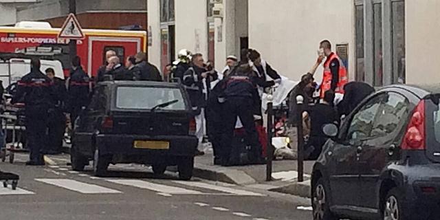 היורים בפריז צעקו: נקמה בשם מוחמד