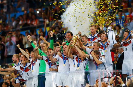 נבחרת גרמניה חוגגת במונדיאל 2014, צילום: רויטרס