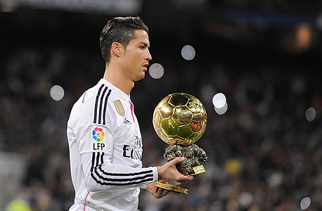רונלדו. במקרה של יתרון מספרי - אין כלי חד יותר בכדורגל העולמי מאשר רונלדו, וזה היתרון הגדול שלו ושל ריאל מדריד של קרלו אנצ'לוטי - מכונת ההתקפות המתפרצות הטובה ביותר באירופה