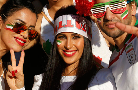 אוהדות נבחרת איראן. לא צנועות