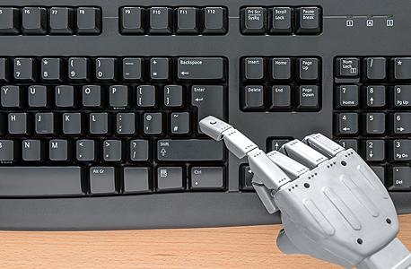 רובוט עיתונאי יכול להחליף בעיקר עיתונאים שמתמקדים בשוק ההון ובספורט