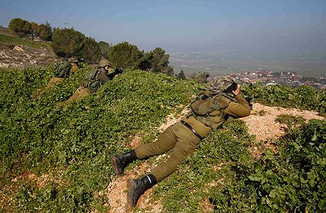 """חיילי צה""""ל על גבול לבנון באזור מטולה (ארכיון)"""