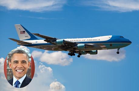 """ברק אובמה על רקע מטוס ה""""אייר פורס 1"""", צילום: שאטרסטוק"""