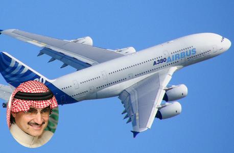 הנסיך הסעודי אל ווליד בין טלאל על רקע מטוסו הפרטי, צילום: ויקיפדיה