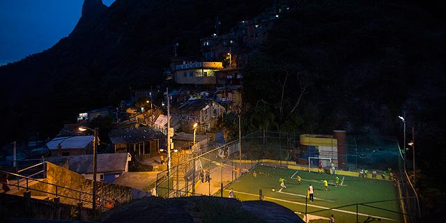 """ברזיל הוציאה 15 מיליארד דולר על המונדיאל ותקבל 100 מיליון דולר מפיפ""""א"""