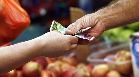 """בקניות בשוק, בעבודה או בעסקים - מו""""מ הוא חלק מהחיים"""