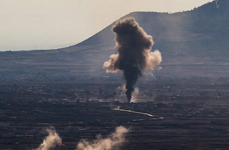 עשן מעל קונייטרה, בימים האחרונים. 20 פגזים נורו לאזור, צילום: אי פי איי