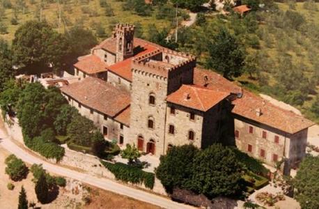 הטירה בפונטסייבה. בין האחרונות שנותרו נטושות