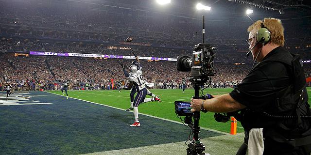 """סופרבול 49. בשנה שעברה ה-NFL דיווחה כי סכום """"כלל ההכנסות"""" עומד על 11.2 מיליארד דולר, צילום: רויטרס"""