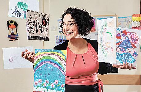 """מיכל וימר, מפענחת ציורים: """"ציור זה כמו מפת אוצר של הילד. הוא יכול לתת להורים מידע ולעזור להם להיות הורים טובים יותר"""""""