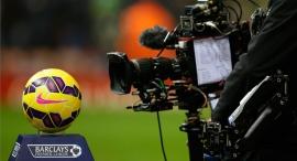 """מצלמת טלוויזיה במשחק פרמיירליג. יעבור את ה-7 מיליארד ליש""""ט, צילום: רויטרס"""