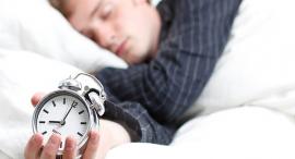 שעון מעורר שינה ישן לישון, צילום: שאטרסטוק