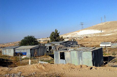 Many children in the Bedouin community do not have access to an internet connection. Photo: Haim Horenstein