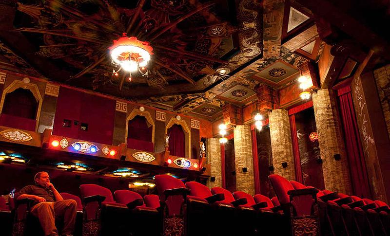 פגודות, רהיטים וכדים מסין ופסלי דרקון בגובה של 9 מטרים, צילום: FLICKR/MIKE RENLUND