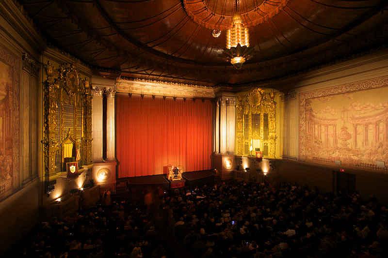Castro Theater, הכל נעשה פה בגדול