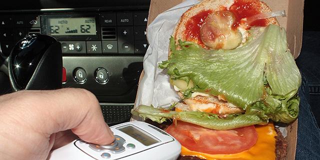 המלצר ירק לך על ההמבורגר? המכשיר הזה ילשין