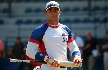 יואן. ה-MLB מטילה מסים על קבוצות המוציאות מעל להקצאה שלהן עבור שחקנים בינלאומיים חובבנים
