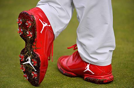 נעליי נייקי גולף , צילום: איי אף פי