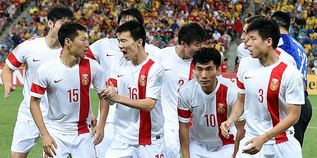 סין תאמן פעוטות בכדורגל