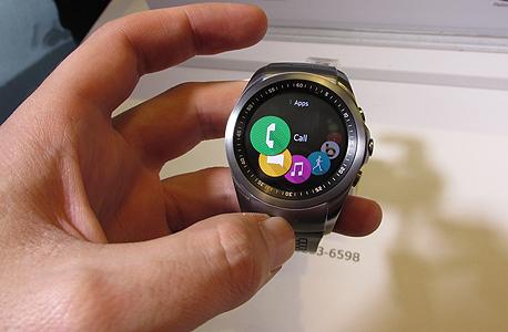 שעון LG החדש כנס ברצלונה וידאו, צילום: עומר כביר