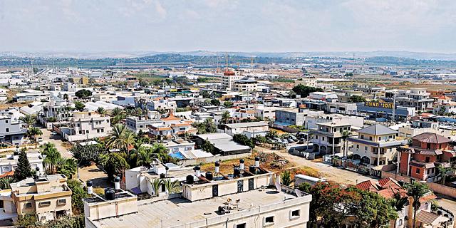 העיר טירה. ביישובים רבים במגזר הערבי קשה להוציא היתרי בנייה, צילום: נמרוד גליקמן