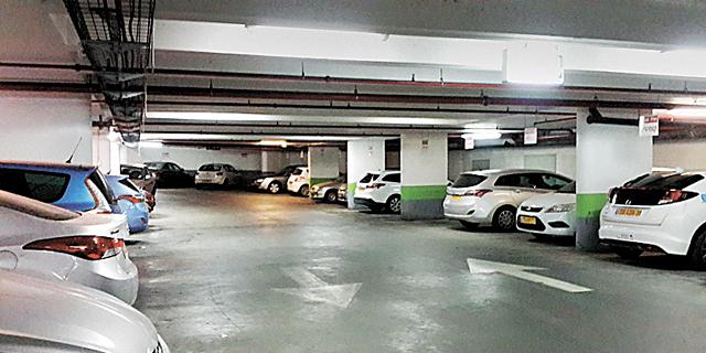 """עיריית ת""""א מעלה את הארנונה על חניונים במשרדים בכ־50%"""