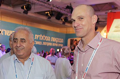 """מימין: עופר וקס, מנכ""""ל מכון הייצוא ורמזי גבאי, יו""""ר המכון, צילום: אוראל כהן"""