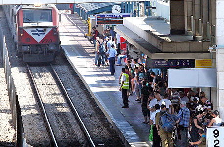 """הרכבת: קו תל אביב-חיפה יחזור לפעול בשעות הערב """"בקרוב"""""""