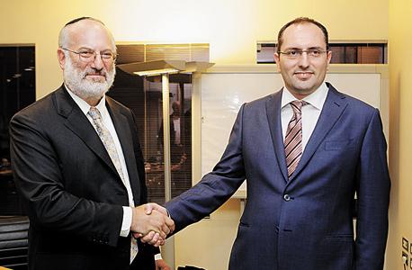 מימין: מוטי בן משה ואדוארדו אלשטיין