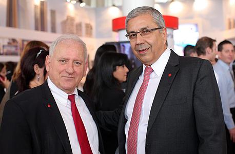 דוחות בנק הפועלים מימין ציון קינן ו יאיר סרוסי, צילום: עמית שעל