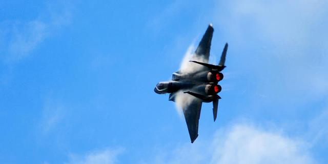 """ארה""""ב תמכור מטוסי F15 לסעודים, ללא מערכות נשק לטווח ארוך"""