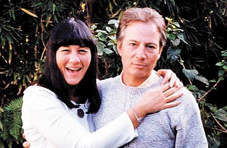 עם חברתו סוזן ברמן, שנורתה בראשה בלוס אנג