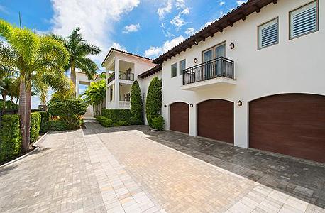 עוד זווית של הבית שנרכש בשנת 2010 ב-9 מיליון דולר