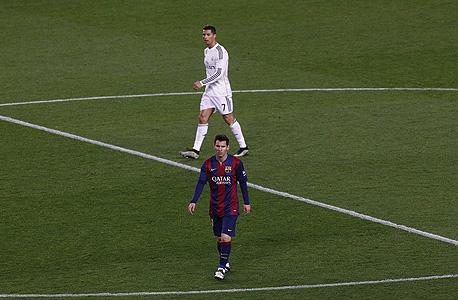 רונלדו ומסי. למסי יש 45 שערים ו־22 בישולים ב־44 משחקים עבור ברצלונה העונה. לרונלדו יש 49 שערים ו־17 בישולים ב־43 משחקים במדי ריאל מדריד
