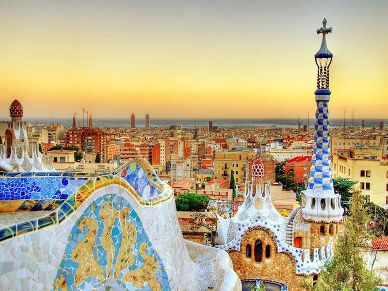 9. ברצלונה, ספרד: החל מההרים ועד לחופים, ברצלונה משלבת בין ההיסטורי והעדכני