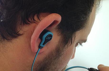 האוזניה יושבת היטב באוזן